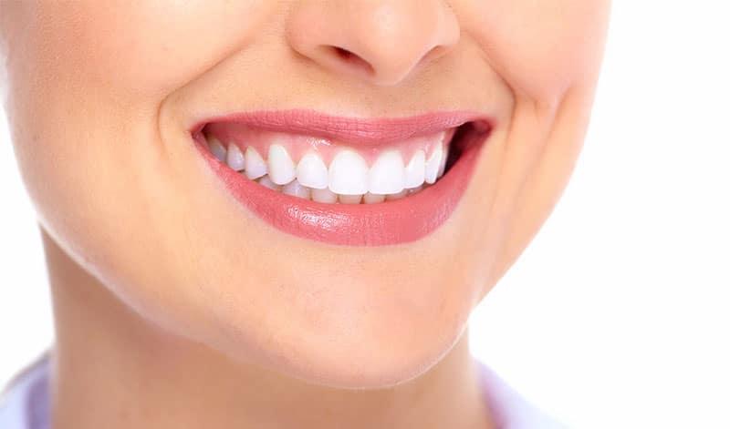 Bọc răng sứ thẩm mỹ tại nha khoa sài gòn Bs Quang tphcm cho ve đẹp hoàn hảo