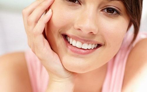 Đi tìm sự khác nhau giữa răng sứ titan và răng toàn sứ