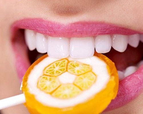 Bọc răng sứ được bao lâu, có cần phải thay lại không?