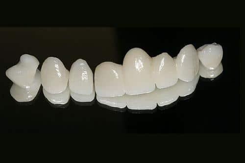 Muốn làm răng sứ đẹp, đến ngay Nha Khoa Sài Gòn bác sĩ Quang