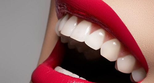 Phục hình răng sứ thu hút mọi ánh nhìn, tại sao không?