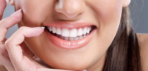 Những ai có thể tiến hành làm răng sứ thẩm mỹ? Cần lưu ý điều gì?